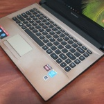 Lenovo 305 Core i3 5005U AMD Radeon R5 M330 WIn8 ori | Jual Beli Laptop
