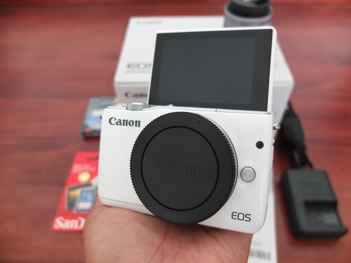 Jual Beli Laptop Kamera | surabaya | sidoarjo | malang | gersik | krian | Mirrorless canon M10