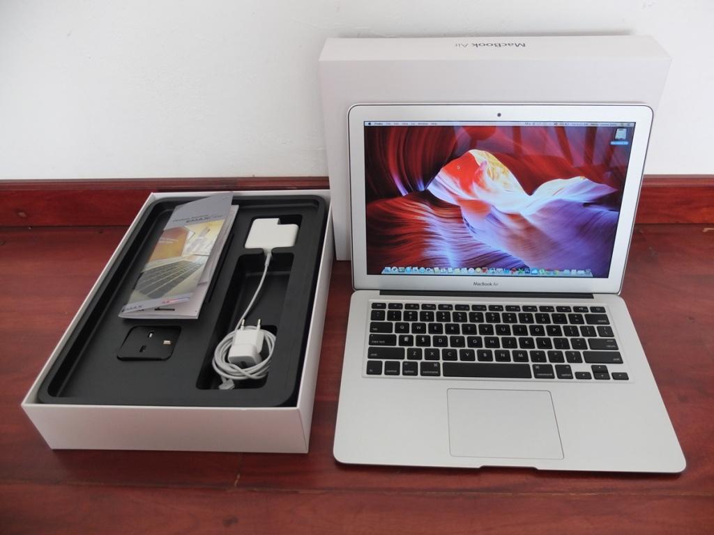 Jual Beli Laptop Kamera | surabaya | sidoarjo | malang | gersik | krian | Macbook AIr 13in MD231