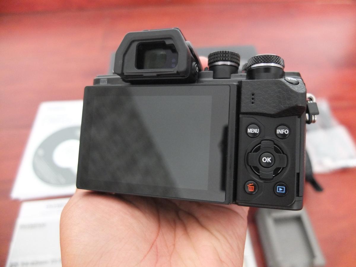 Jual Beli Laptop Kamera | surabaya | sidoarjo | malang | gersik | krian | Olympus OM-D EM10 Mark II