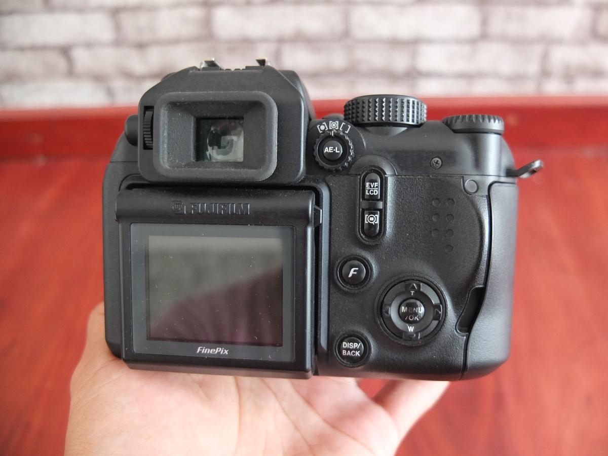 Jual Beli Laptop Kamera   surabaya   sidoarjo   malang   gersik   krian   Fujifilm FinePix S9500