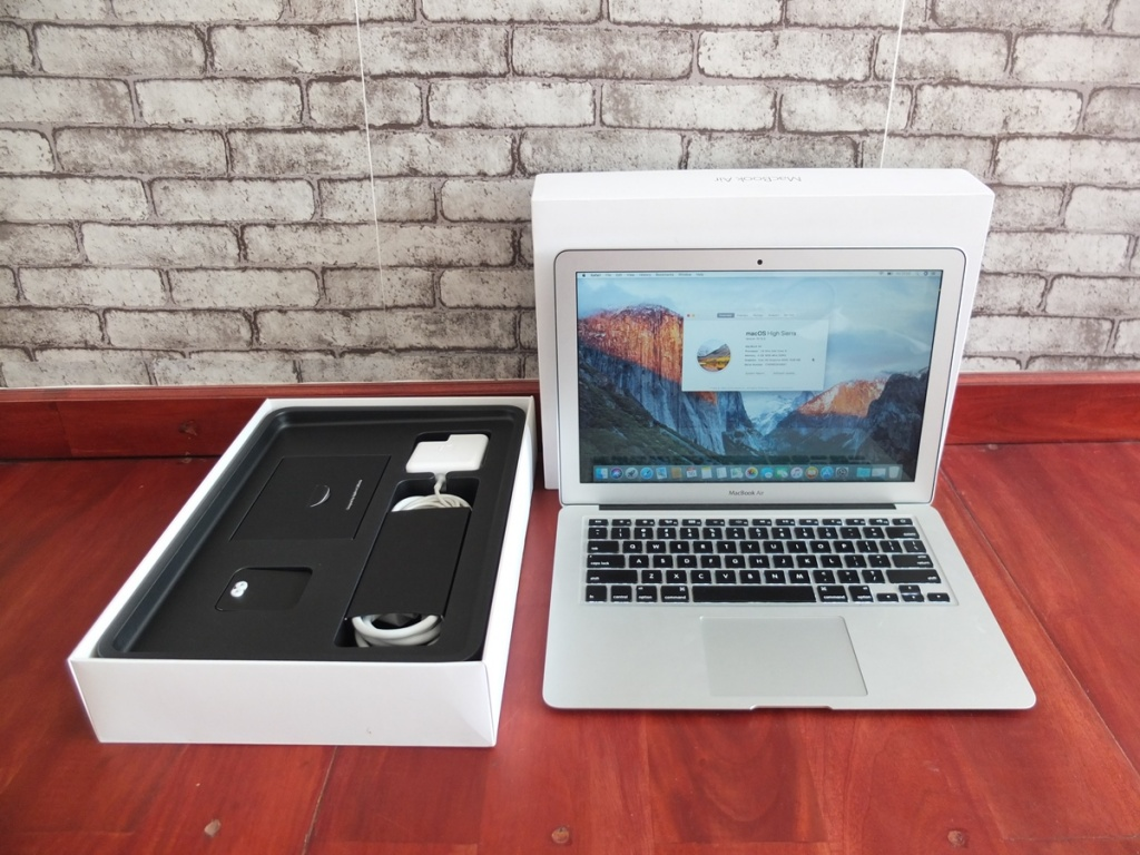 Jual Beli Laptop Kamera | surabaya | sidoarjo | malang | gersik | krian | Macbook Air MJVG2 2015
