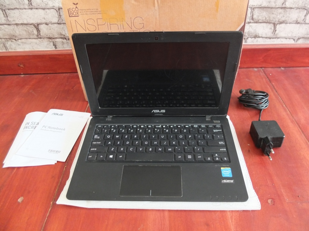 Jual Beli Laptop Kamera | surabaya | sidoarjo | malang | gersik | krian | Asus X200MA