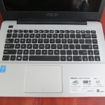 Asus X455LA Core i3 4030U | Jual Beli Laptop Surabaya