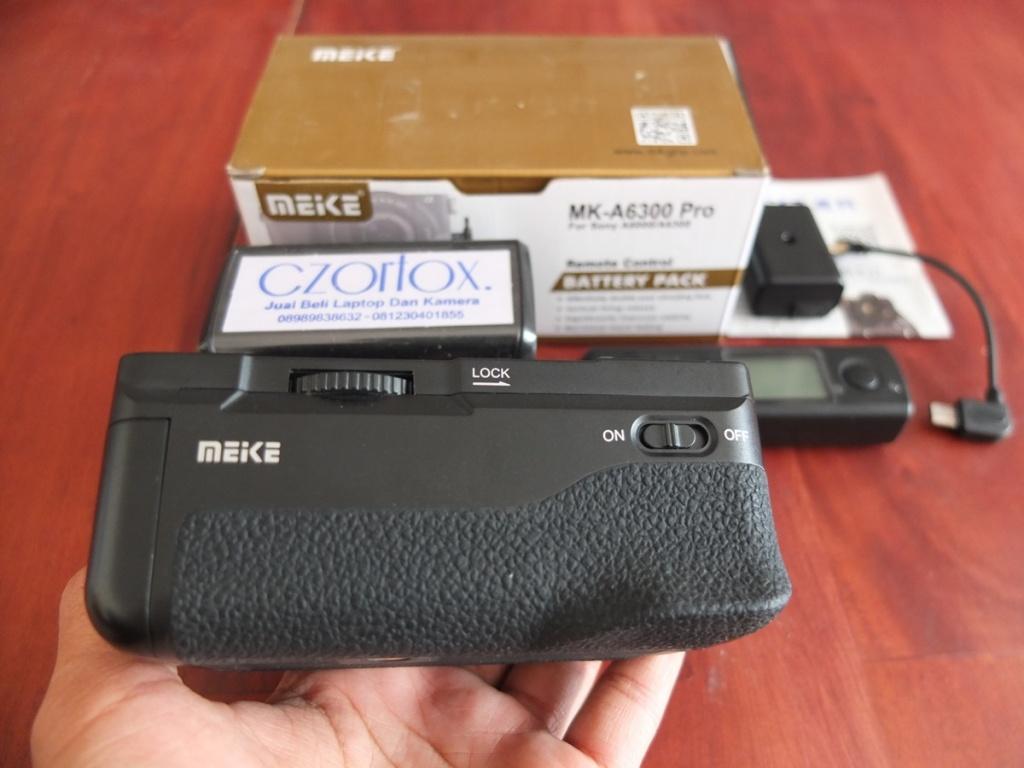 Jual Beli Laptop Kamera | surabaya | sidoarjo | malang | gersik | krian | Meike Battery Grip MK-A6300 PRO For Sony A6000-A6300
