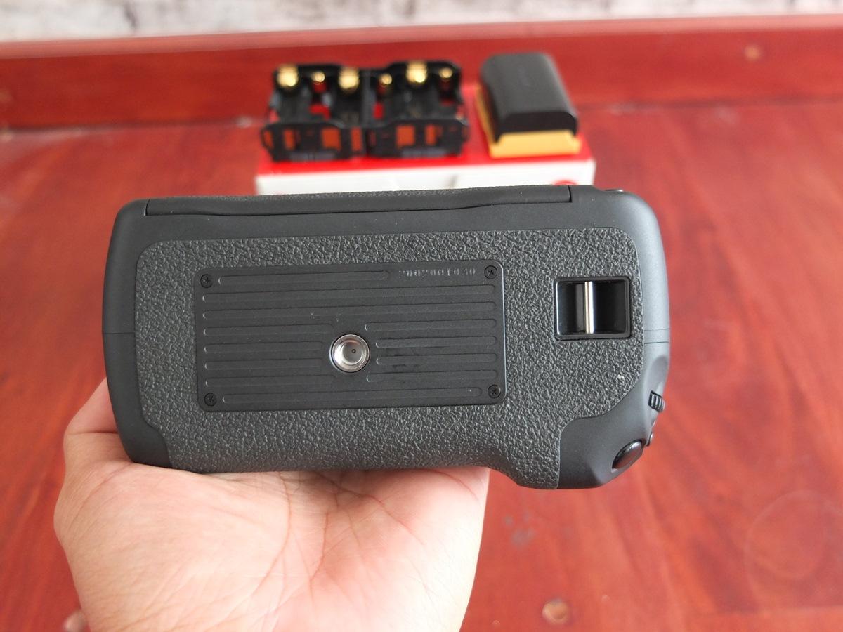 Jual Beli Laptop Kamera | surabaya | sidoarjo | malang | gersik | krian | Battery Grip Canon 7D BG-E7