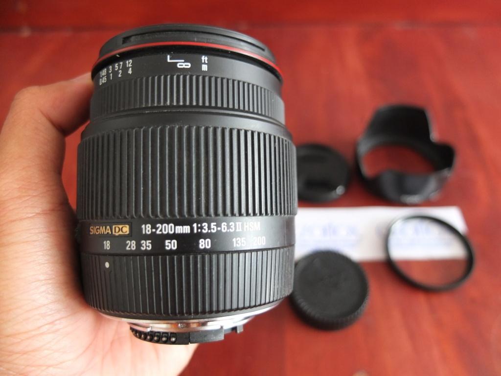 Sigma 18-200mm f/3.5-6.3 II DC Lens for Nikon