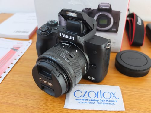 Canon M50 Kit 15-45mm Garansi sampe Januari 2020