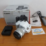 Canon 200D WiFi Kit 18-55mm Istimewa