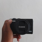 Canon M100 Kit 15-45mm Black Istimewa Garansi sampe Juni 2020