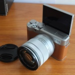 Fujifilm X-A10 Lensa 16-50mm Flip Screen
