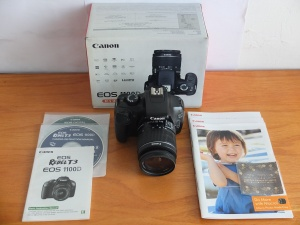 Canon EOS 1100D Lensa kit 18-55mm Murmer