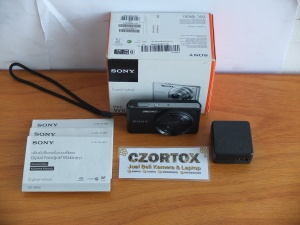 Sony DSC-W830 8x Optical Zoom 20.1 MP