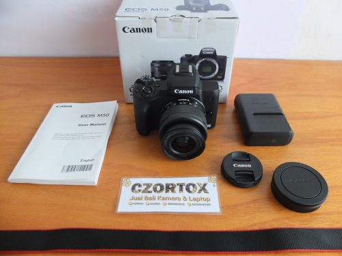 Canon M50 Kit EF-M15-45mm IS STM Like New