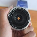 Lensa M.Zuiko 17mm F2.8