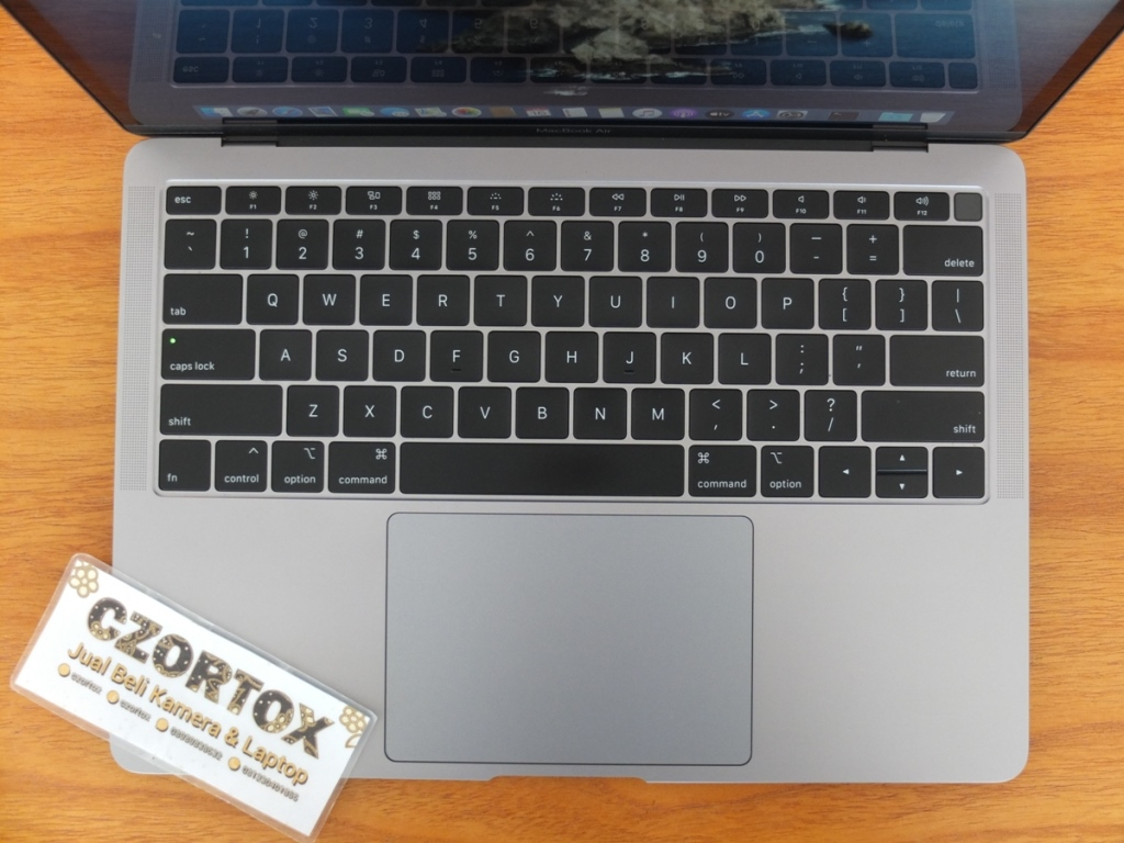 MacBook Air Retina MVFH2 Core i5 Garansi Panjang