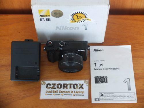 Nikon 1 J5 Lensa Kit 10-30mm Video 4K