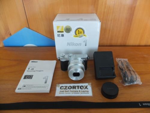 Nikon 1 J5 Lensa Kit 10-30mm Video 4K Sc 1.Xxx