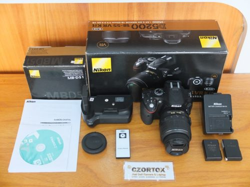 Nikon D5200 Kit 18-55mm Plus BG Mulus